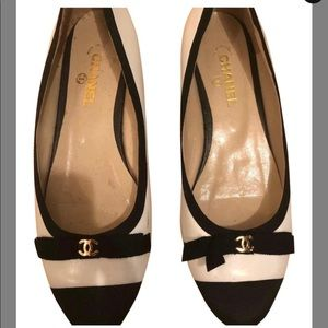 ChAnel black and white bow ballet flats
